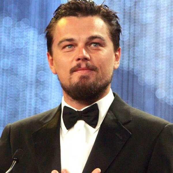 En 2008, Leonardo cambió su característico rubio por un tono más obscuro para un papel.