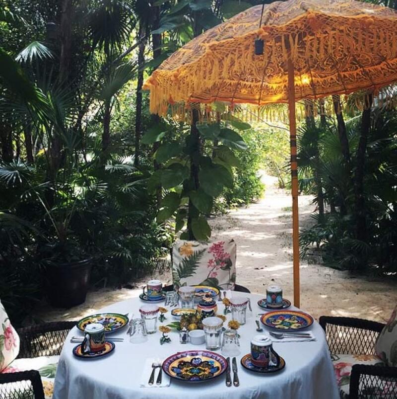 Kris Jenner compartió esta imagen del spot donde disfrutan su desayuno en Cancún.