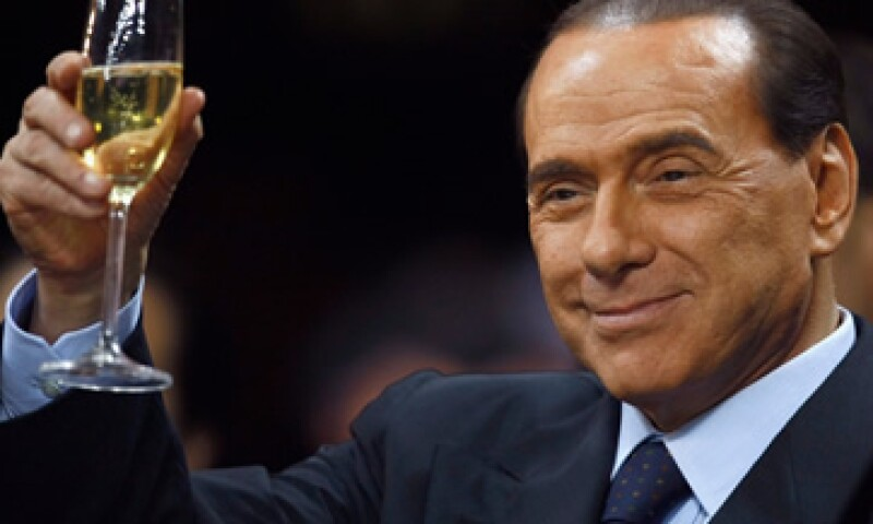"""Cuando Barack Obama resultó electo presidente de EU, Silvio Berlusconi lo describió como """"apuesto, joven y también bronceado"""". (Foto: Reuters)"""