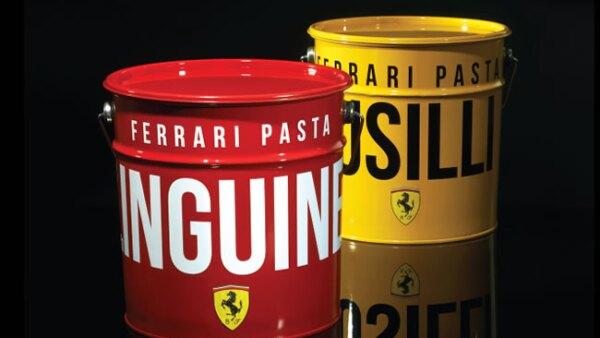 Arte de Peddy Mergui. Lata de pintura Ferrari