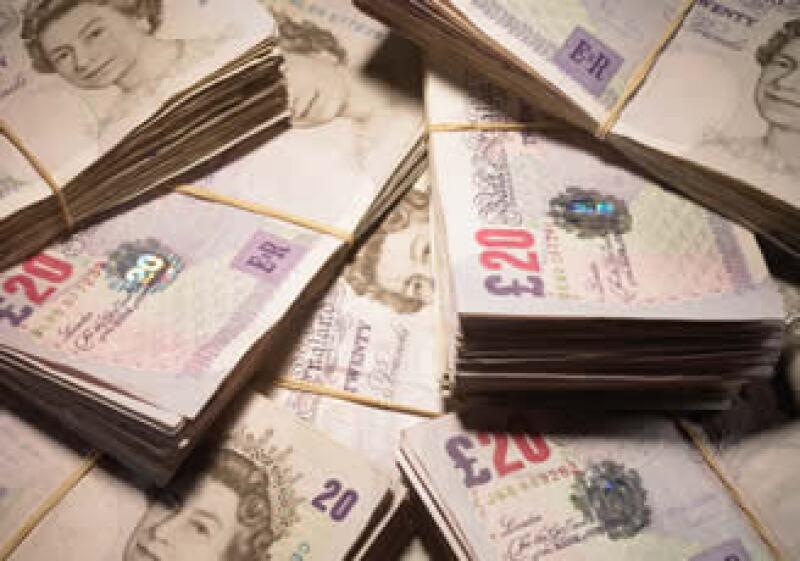 La libra esterlina ha caído 8% frente al dólar durante el 2010. (Foto: Jupiter Images)