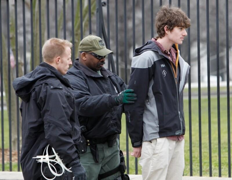 Conor se esposó afuera de la casa de Obama, donde su padre Robert Kennedy Jr, vivió también.