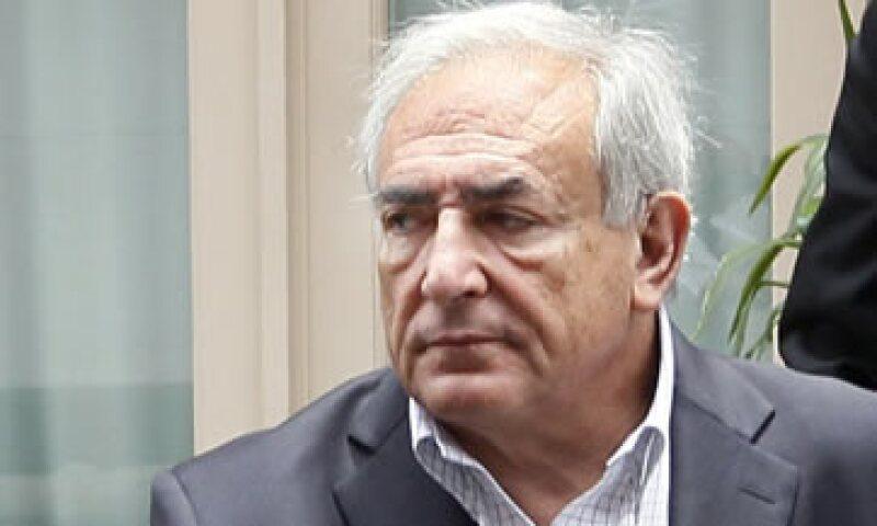 Fiscales de Nueva York y los abogados defensores acordaron el lunes posponer para el 1 de agosto la fecha en que Strauss-Kahn debía comparecer ante una corte. (Foto: AP)