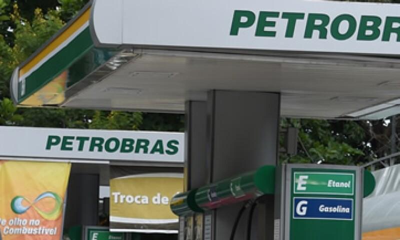 La petrolera desinvertirá en producción y exploración  a nivel local y externo. (Foto: AFP )