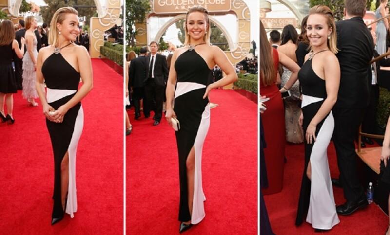 La actriz se mostró orgullosa de su vestido.