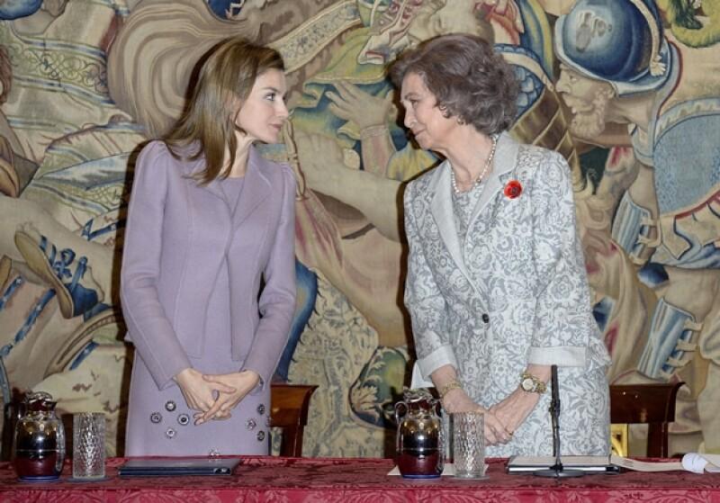 Comparadas con otras reinas y princesas, Sofía y Letizia de España tienen un sueldo mucho menor. Entérate de cuánto disponen al mes los diferentes royals y en qué lo gastan.