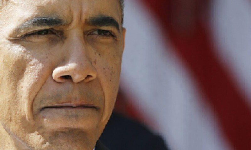 Obama firmó una propuesta para evitar que 1.4 millones de militares dejaran de recibir sus sueldos. (Foto: Reuters)