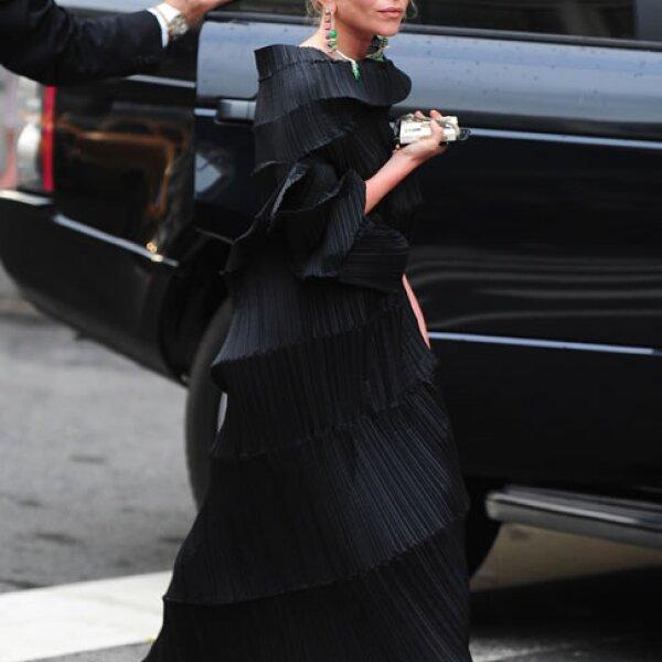 Mary Kate Olsen es pequeñita, apenas mide 1.57 metros y a pesar de su estatura, es amante de los flats. Sólo en ocasiones especiales usa tacones.