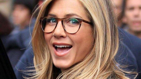 Jennifer Aniston nos regaló esta cara mientras estaba en el set.