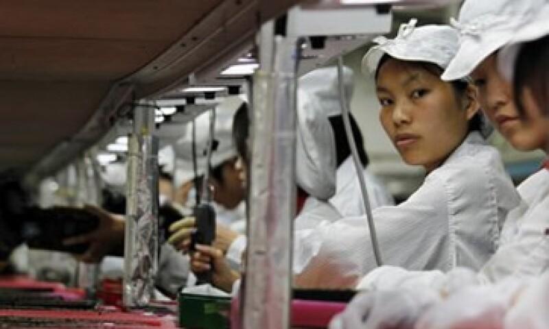 Foxconn respondió a una serie de suicidios de sus empleados en una de sus fábricas ubicadas en China. (Foto: Notimex)
