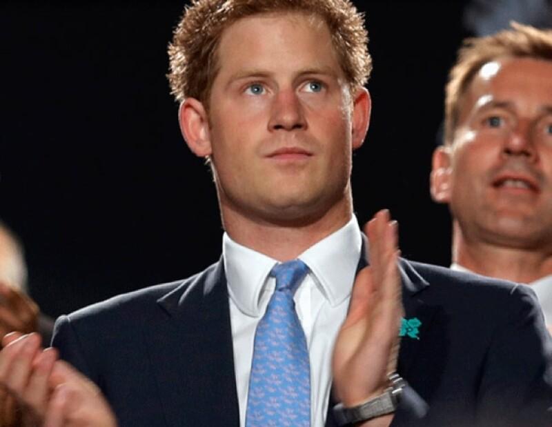 El príncipe Henrry asistió a la ceremonia en representación de la reina Isabel II.