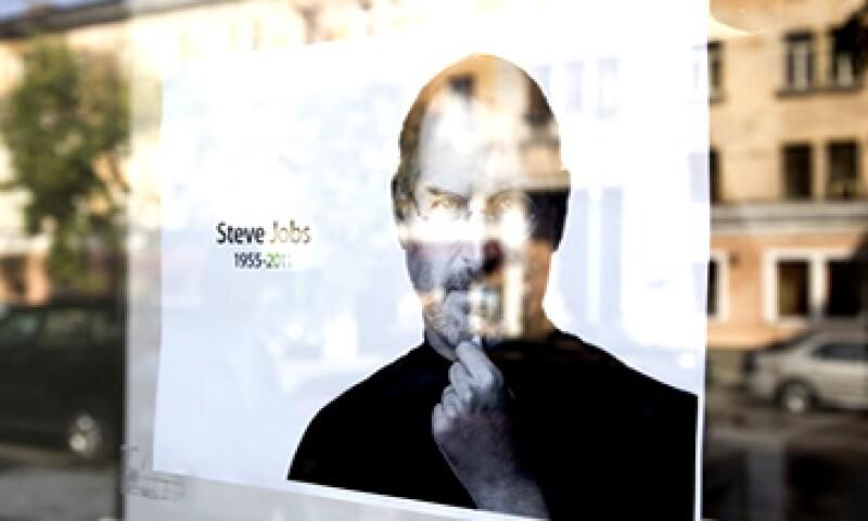 En el artículo para Time, el autor describe el día en que Steve Jobs le propuso la idea del libro. (Foto: Reuters)