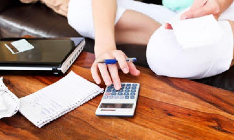 Recuerda: tus créditos no son dinero adicional a tu salario y su uso siempre tiene un costo.  (Foto: Photos to Go)
