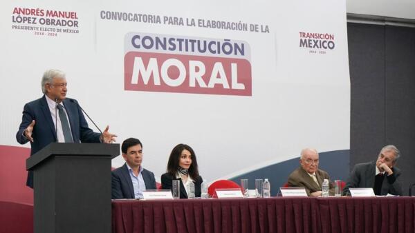 AMLO y Constitución Moral