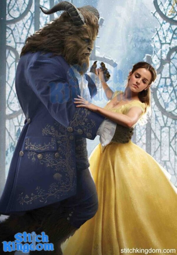 Emma Watson como Bella vestido amarillo