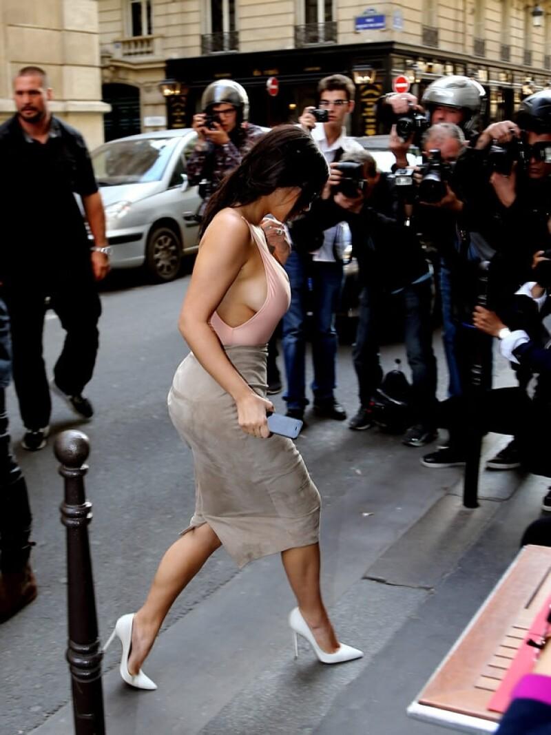 Aunque ya antes Kim ha mostrado mucha piel, sin duda este outfit es de los más reveladores que le hemos visto.