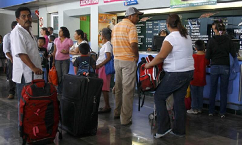 Los descuentos se hacen efectivos en todas las corridas del servicio de pasajeros, tanto en primera clase como en económica. (Foto: Notimex)