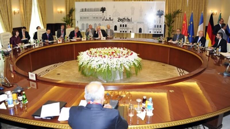 Funcionarios debaten propuesta nuclear con Iran