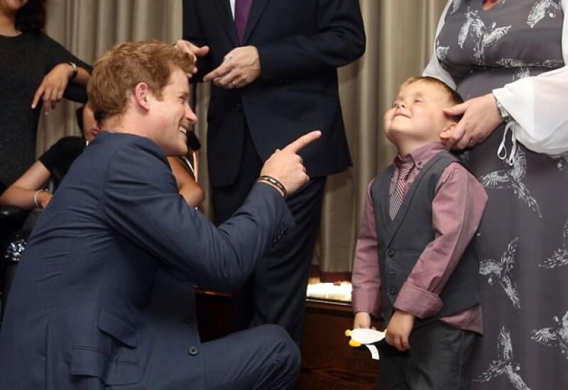 Enrique dijo a los niños que sólo le gusta Twitter si es para ayudar una buena causa. Aquí en una foto de archivo.
