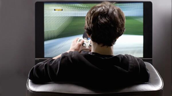 Los videojuegos contienen un sistema de refuerzo que acondiciona al cerebro para que repita comportamientos, en su mayoría, positivos. (Foto: Getty Images)