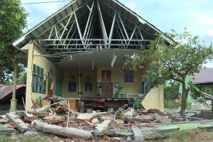 Una violenta réplica sacudió la isla de Lombok en Indonesia
