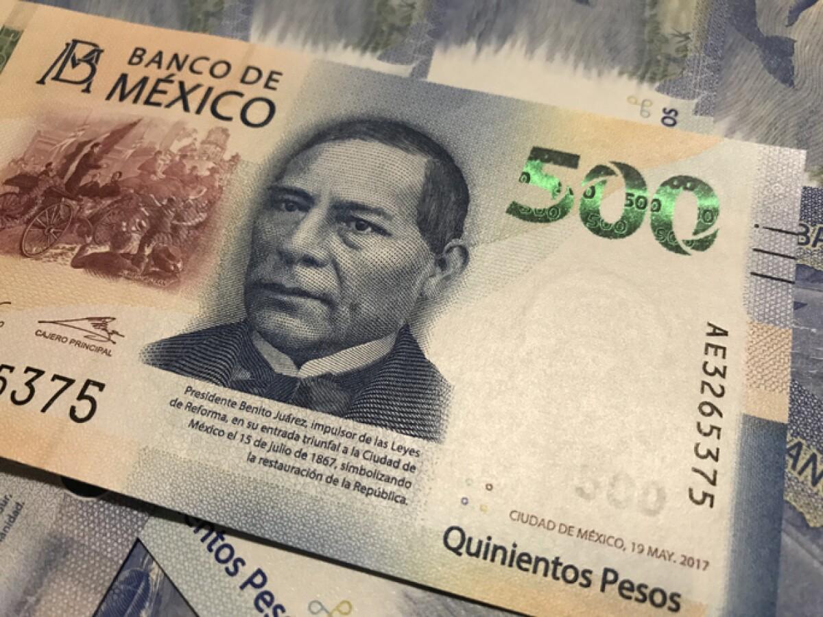 El dólar se vende a 19.70 pesos en bancos