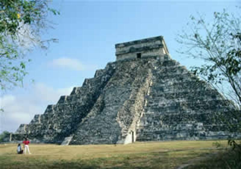 La Pirámide  de Kukulcán, uno de los principales centros centros ceremoniales de los mayas. (Foto: Photos to Go)