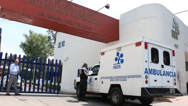 Trabajadores del INER, protestaron ante la falta de un protocolo para empleados ante el posible del COVID-19.