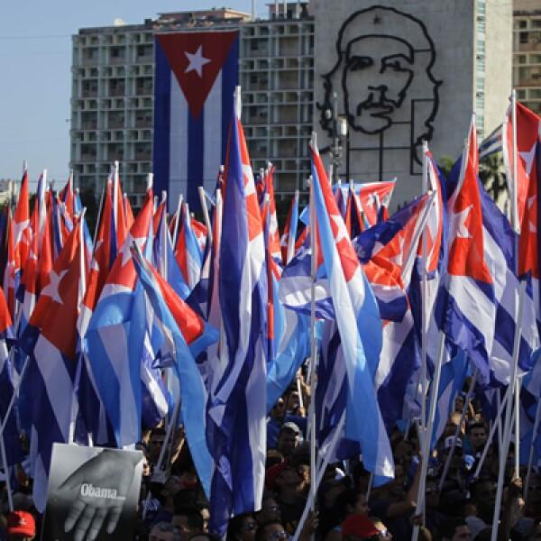 """Cuba celebró con masivos desfiles en esta capital y otras ciudades del país bajo la consigna de """"preservar y perfeccionar el socialismo""""."""