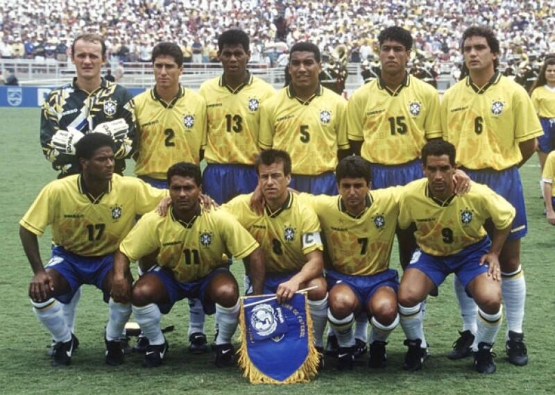 Argentina reparte una sospechosa sustancia entre el equipo Brasileño en Italia 90.