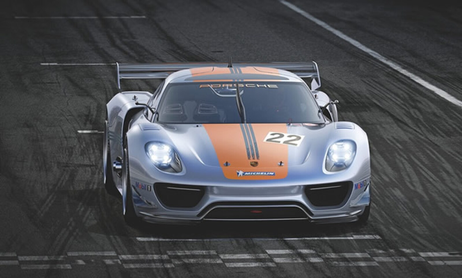 La marca de lujo alemana estuvo presente en este show para compartir un nuevo modelo de carreras que tiene como base su carrocería Spyder, pero con dos motores híbridos. Tiene una velocidad máxima de 222.3 kilómetros por hora.
