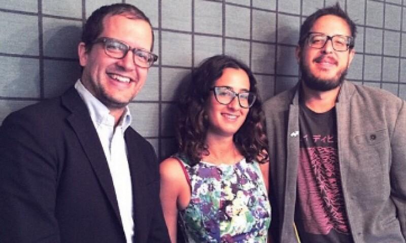 Scott Lamb (izquierda) y parte del equipo de BuzzFeed de América y México. (Foto: Marco Gómez)