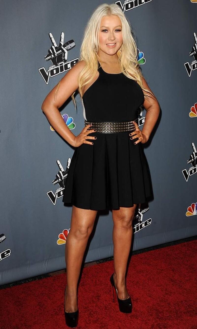 La cantante y coach del show `The Voice´ se presentó ayer en el Teatro Chino de Los Ángeles, donde mostró su pérdida de peso y el uso de menos maquillaje.