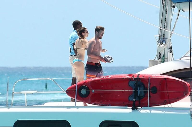 A principios de 2014 se dijo que la pareja estaba separada, sin embargo, hace una semana fueron captados festejando el cumpleaños de la actriz en el Caribe.