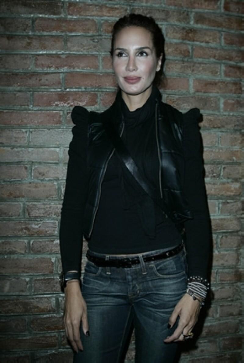 La actriz y ex modelo compartió algunas vivencias de sus primero 25 años de vida con la escritora Ana Terán.