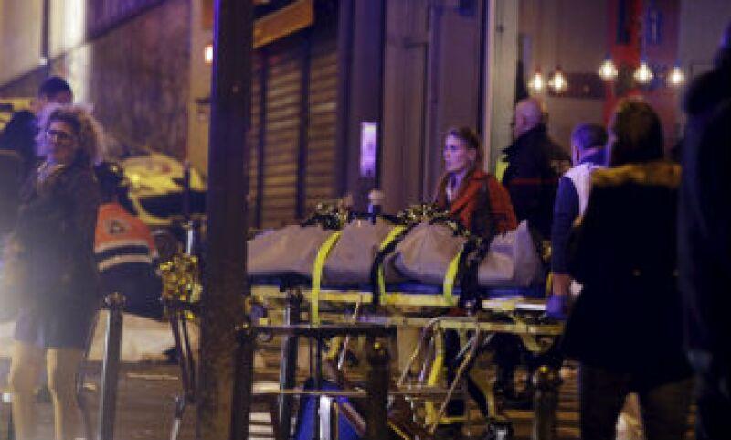 Los más de 100 muertos por los ataques en la capital de Francia generaron condenas de líderes mundiales (Foto: Reuters )