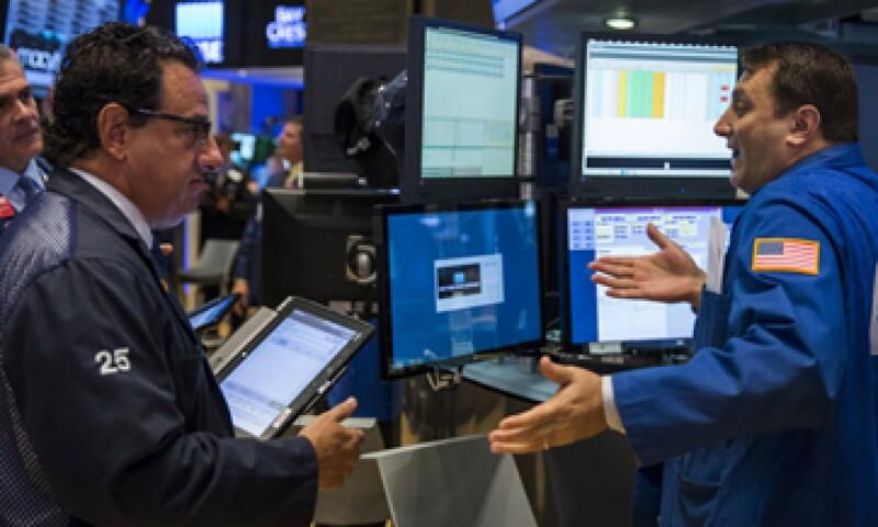 Las acciones de Walmart cayeron 10.04% en la Bolsa de Nueva York. (Foto: Reuters)