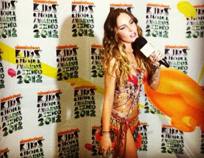 El sábado pasado, Belinda se presentó en los premios Kids´Choice Awards México donde impactó con un look más maduro y sensual.