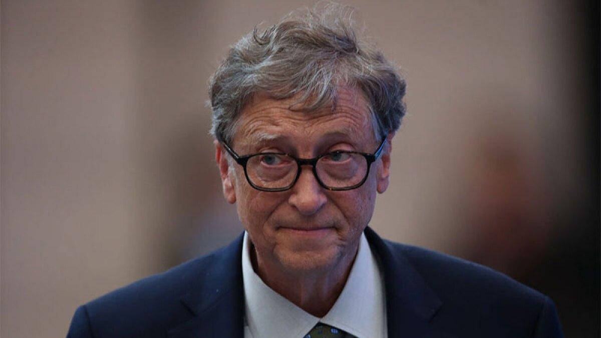 Bill Gates también hace fila cuando quiere comer una hamburguesa