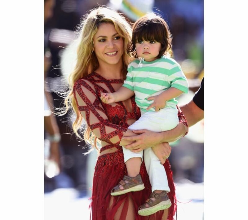 Fue en Sudáfrica 2010 cuando la colombiana conoció a Gerard Piqué, ahora sube al escenario de la clausura mundialista con un hijo suyo, el pequeño Milan.