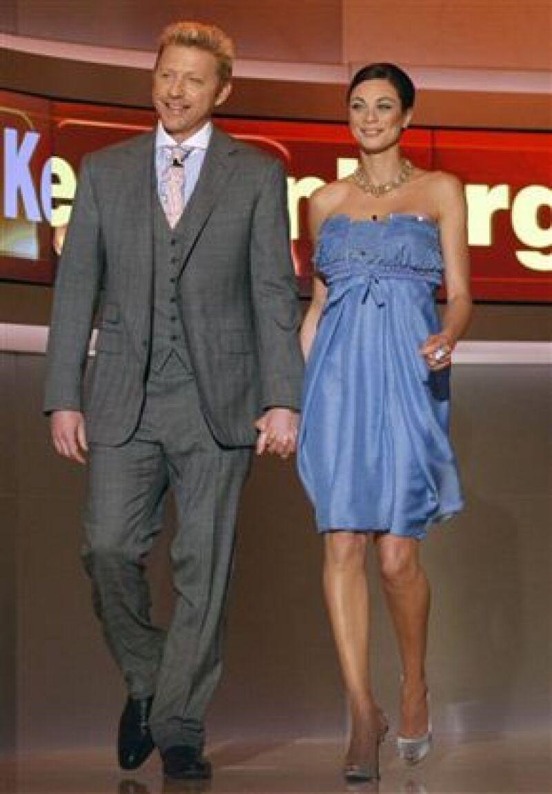 El tres veces campeón de Wimbledon, reveló su compromiso con su novia holandesa Lilly Kerssenberg.