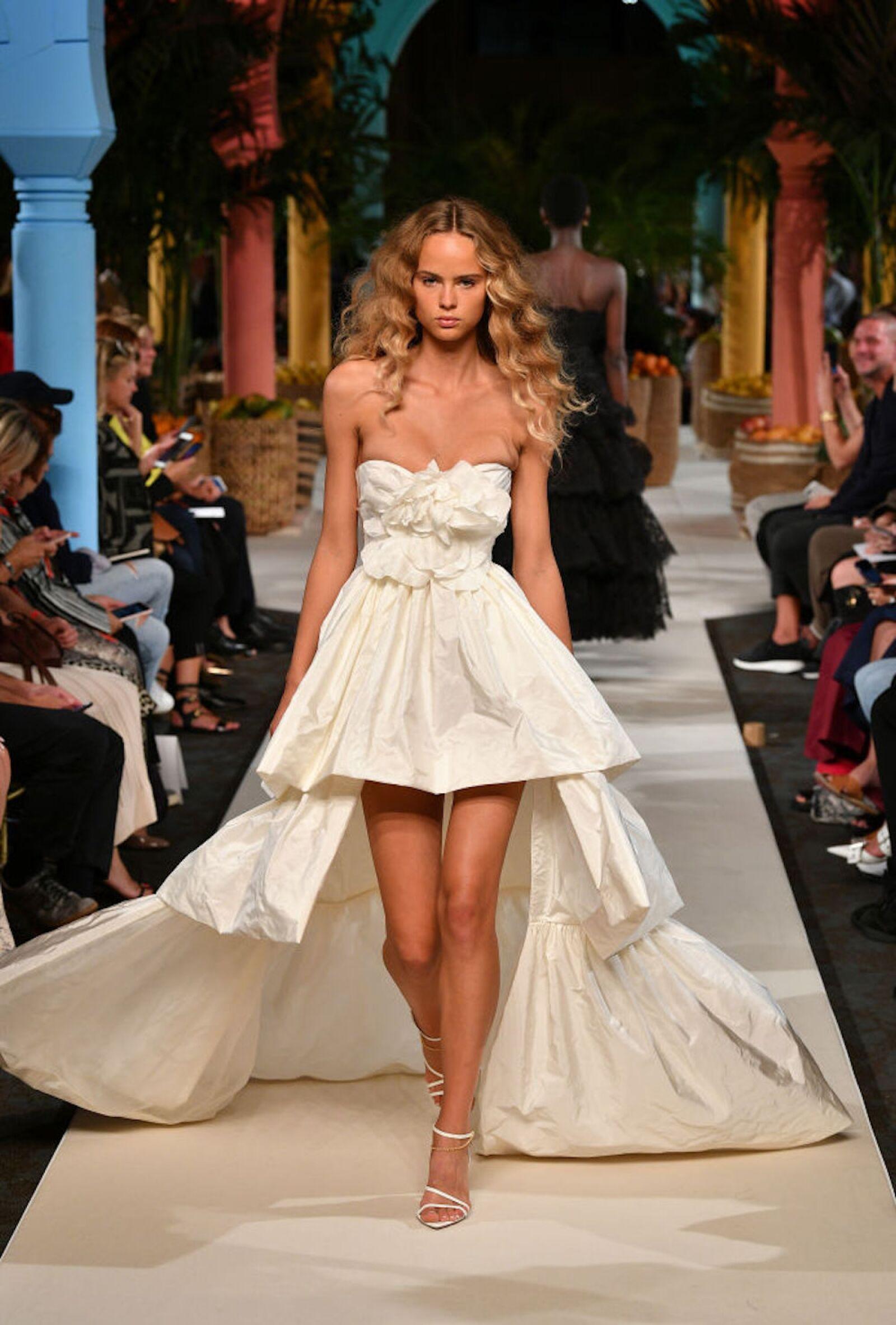 Oscar de la Renta - Runway - September 2019 - New York Fashion Week