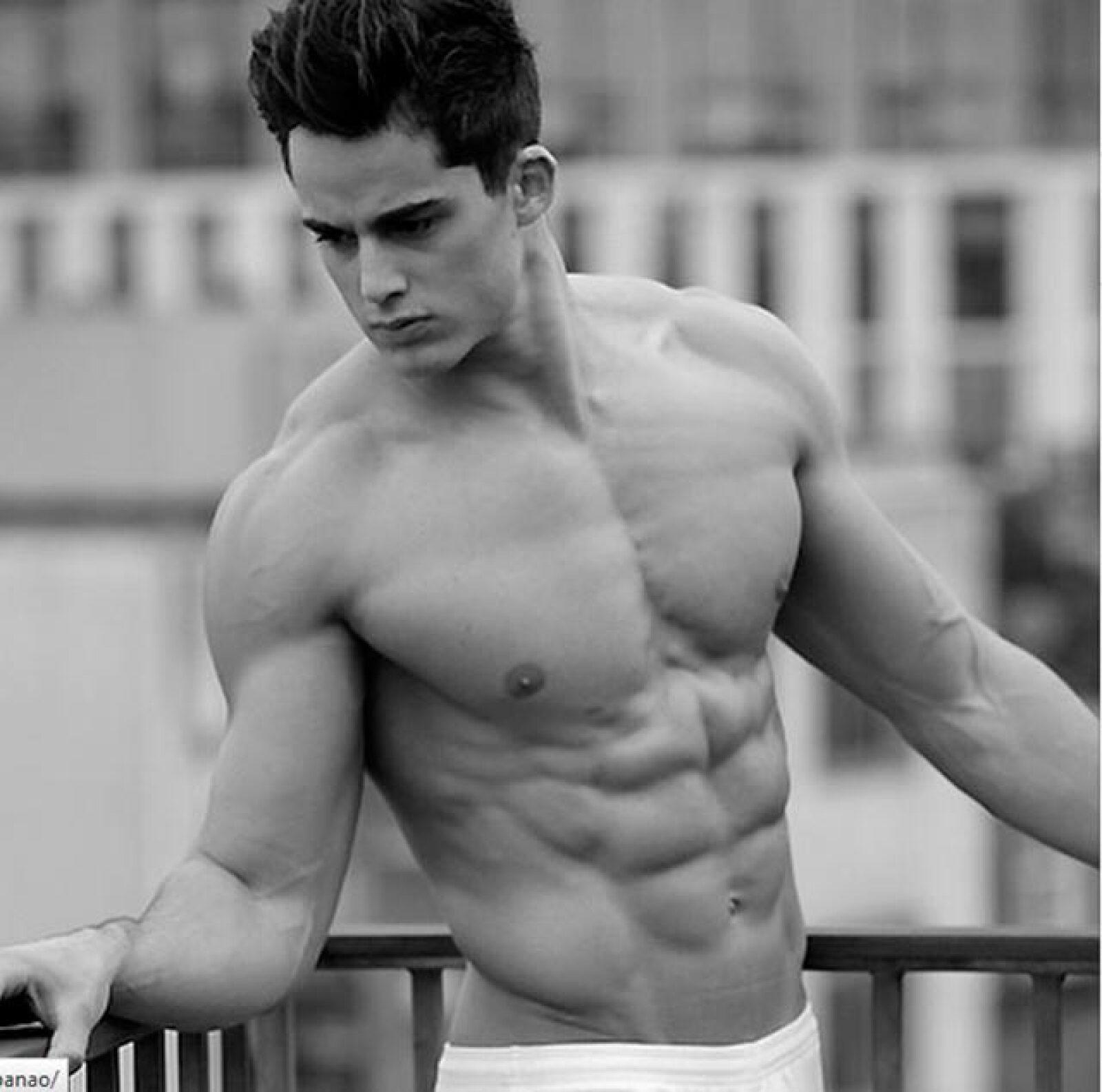 Pietro Boselli, un italiano de 26 que impartía clases de matémáticas en una universidad de Londres, se dio a conocer a través de las redes sociales por su gran atractivo.