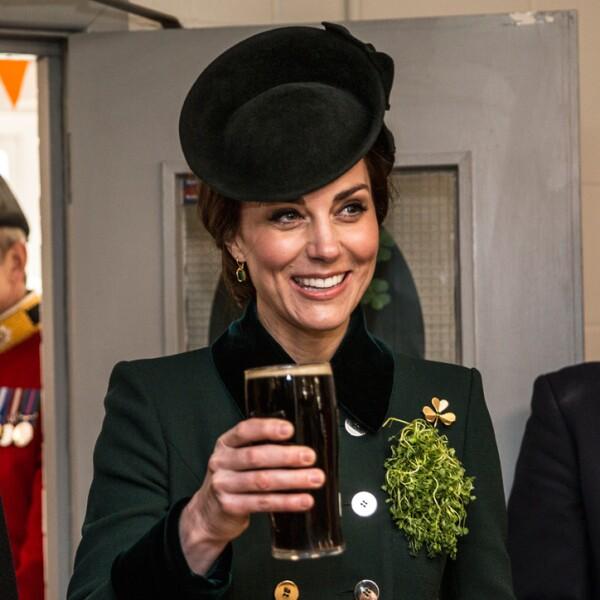 ¡Salud! Kate Middleton brinda con cerveza en St Patrick's Day