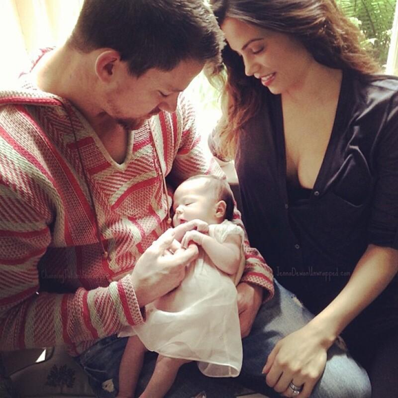 Qué mejor oportunidad para presentar la primera imagen de su hija que el día del padre. El actor compartió por primera vez una imagen junto a su pequeña Everly y su esposa Jenna Dewan-Tatum.