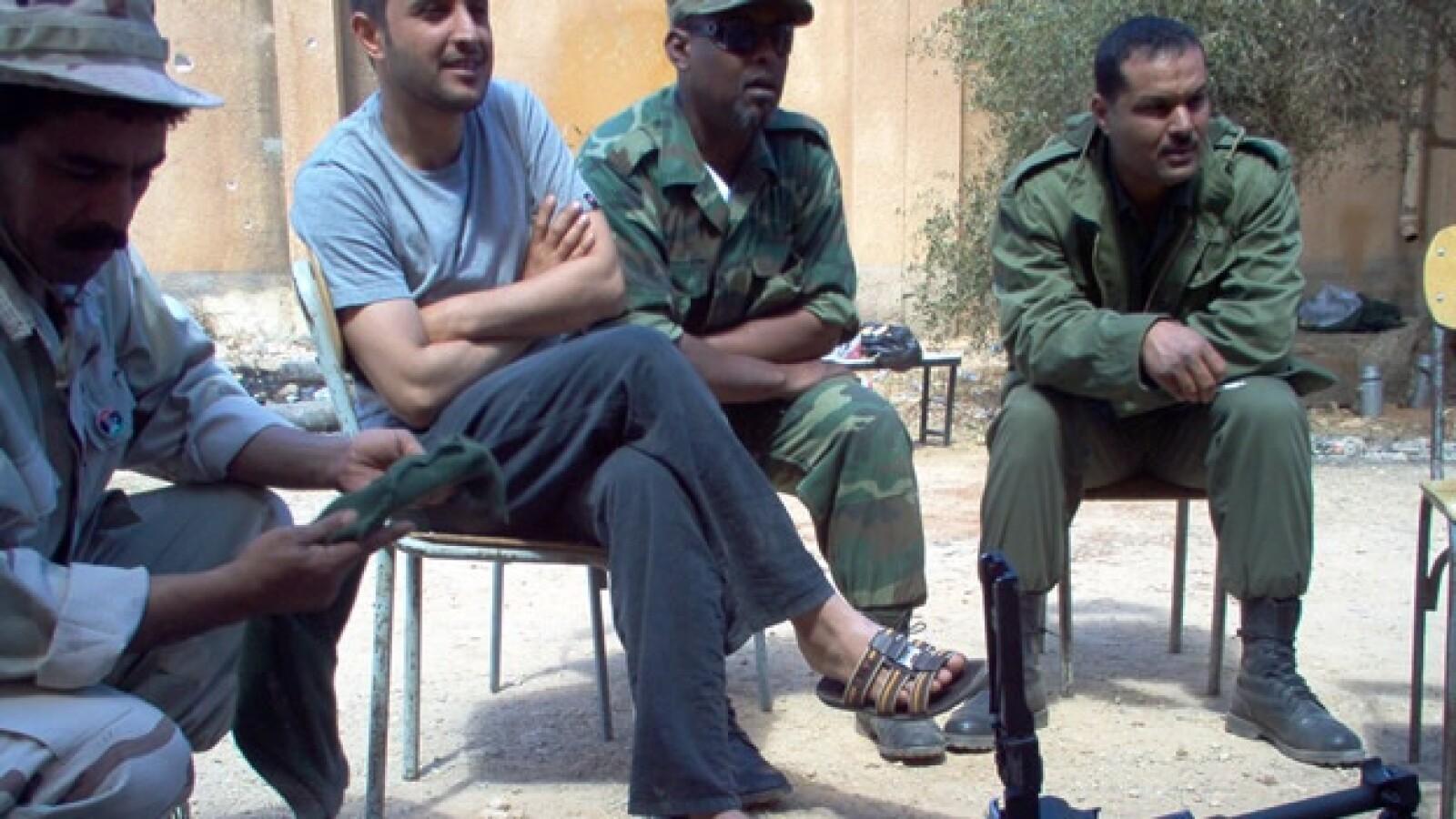 Libia - soldado de EU - grupo en clase
