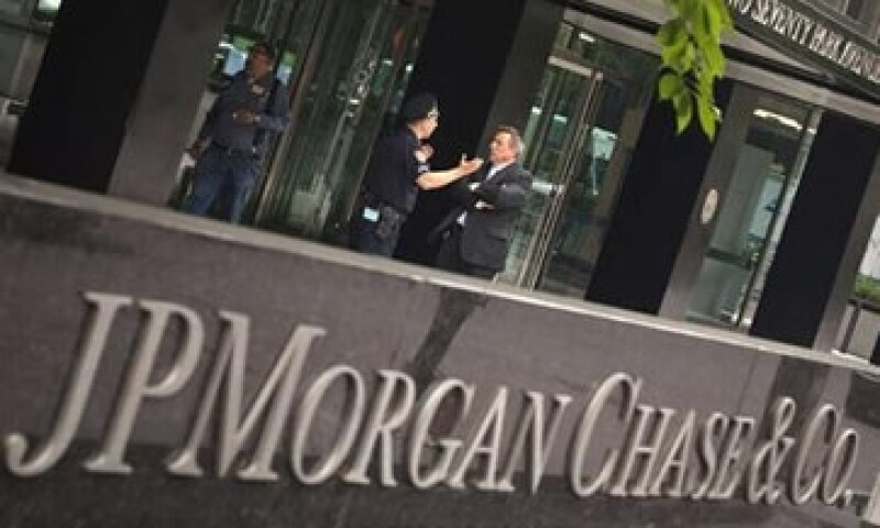 Los inversionistas acusan a Jamie Dimon, CEO de JPMorgan y otros miembros del directorio de malgastar los activos de la compañía. (Foto: Reuters)