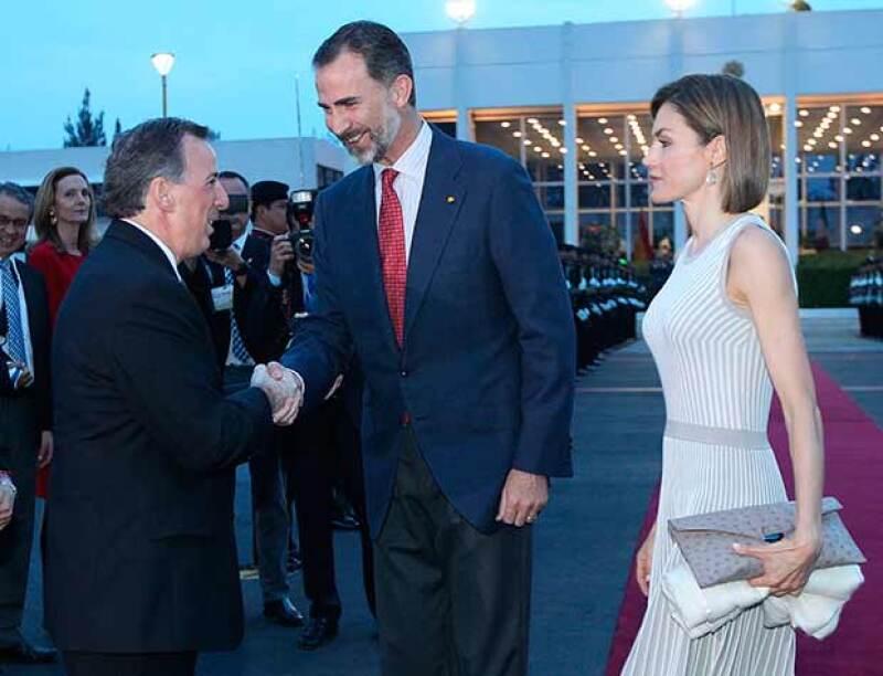 La pareja fue recibida por el canciller José Antonio Meade.