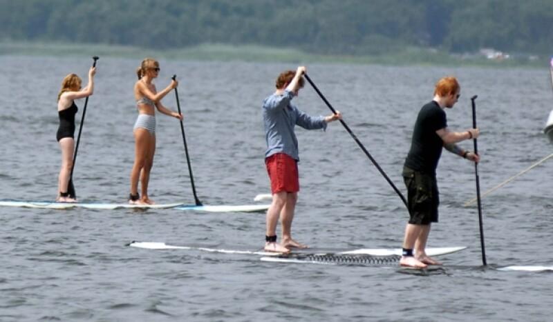Taylor, Ed y otros dos amigos.