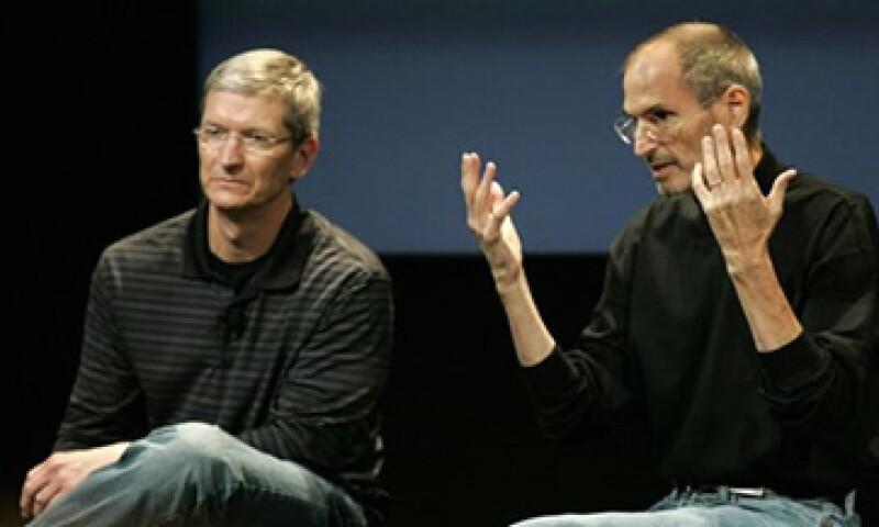 Cook se hizo pruebas de sangre en 2009 para donar parte de su hígado a Jobs.  (Foto: Reuters)